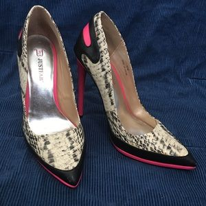 Like New Pink and Snake Print Just Fab Heels